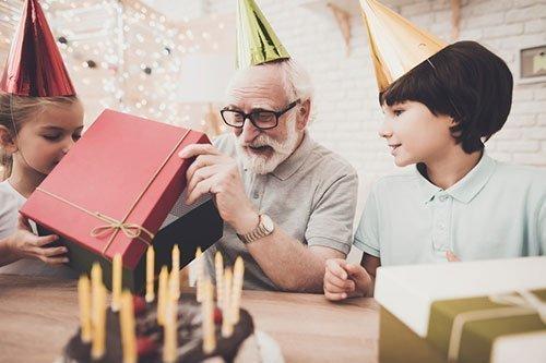 Weihnachtsgeschenke Kleinigkeiten.76 Geschenke Für Dein Opa 2018